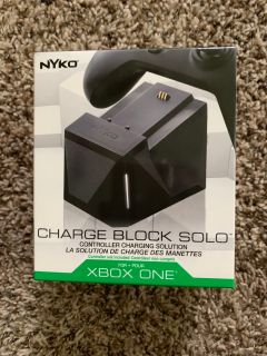 New Xbox one charge block