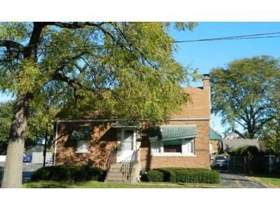 2 Bed 1 Bath Foreclosure Property in Tinley Park, IL 60477 - 175th St