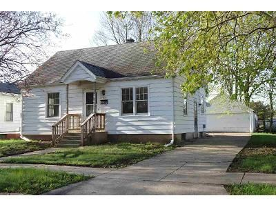 2 Bed 1 Bath Foreclosure Property in Beloit, WI 53511 - Randall St