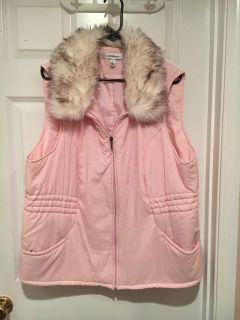 Croft and barrow cute pink puff winter vest with faux fur collar. Size 2x