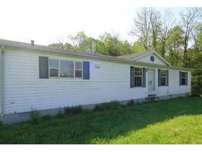 3 Bed 2 Bath Foreclosure Property in Fredericksburg, IN 47120 - S Becks Mill Rd