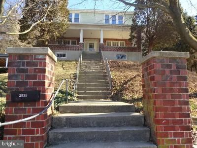 4 Bed 2 Bath Foreclosure Property in Reading, PA 19605 - Oak St