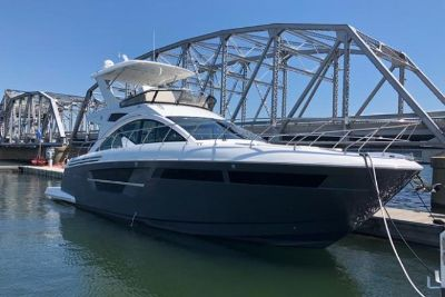 2019 Cruisers FLYBRIDGE