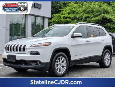 2017 Jeep Cherokee Latitude (Bright White Clearcoat)