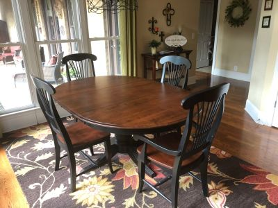 Thomasville Kitchen Set w/4 chairs