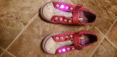 Girls Sketchers twinkle toe light up shoes size 1