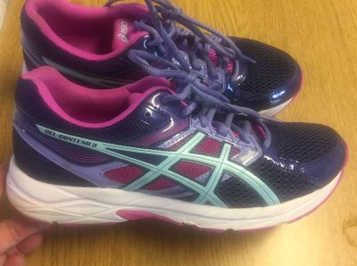 Asics gel contend 3 shoes /light weight brand new only wore in gym. Size 8 1/2. $25