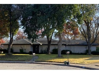 3 Bed 2 Bath Preforeclosure Property in Desoto, TX 75115 - Greenbrook Cir