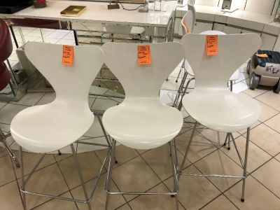 Macys Store Closing Cosmetis Chairs