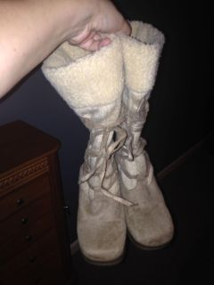Union bay size 8 lace up tan boots. Had foot surgery & can no longer wear.