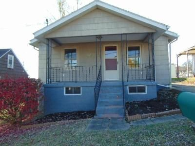 3 Bed 1 Bath Foreclosure Property in Beckley, WV 25801 - Colton Loop