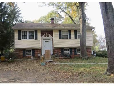 3 Bed 1 Bath Foreclosure Property in Pasadena, MD 21122 - Armiger Dr