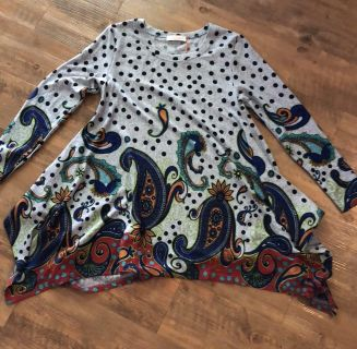 Boutique sweater, One Size, NWT