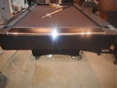 FREE DELIVERY and SET-UP INCLUDED! 8' American Heritage Pool Table