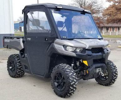 2017 Can-Am Defender XT HD8 Side x Side Utility Vehicles Cambridge, OH