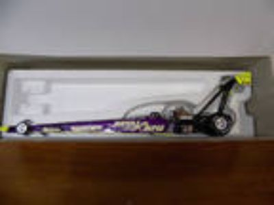 ROYAL PURPLE DRAGSTER Cristen Powell NHRA 1:24 Scale