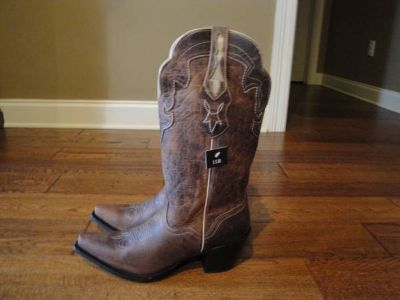 NEVER BEEN WORN JB DILLION COWGIRL BOOTS