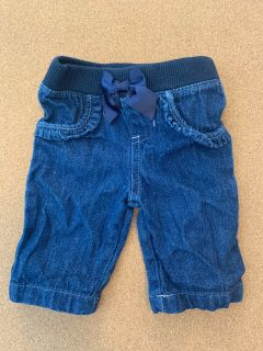 NB jeans with bow