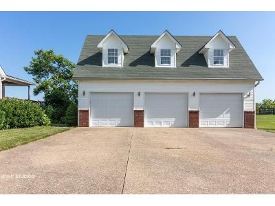 4 Bed 2.5 Bath Foreclosure Property in Simpsonville, KY 40067 - Veechdale Rd