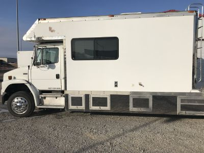 2000 fl70 toter and 40ft trailer
