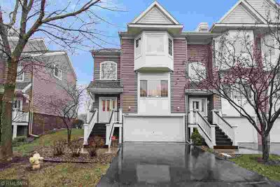 866 Trenton Lane N PLYMOUTH Three BR, Stylish town home with a