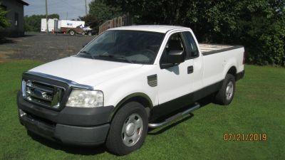 2005 Ford F-150 XL (WHI)