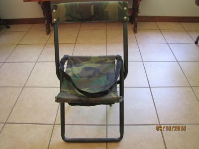 Camo Dove Stool with Back Rest.