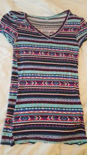 Nice like new stretchy v neck size med/large. $2.00. No holds or trades.
