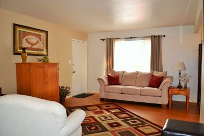 2 BEDROOM APARTMENT/Washer & Dryer/Some Utilities included - ON SPECIAL