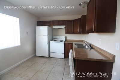 2 Bedroom w/ Washer&Dryer, Parking , Private Yard, and Storage!