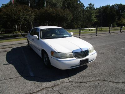 1998 Lincoln Town Car Executive (White)