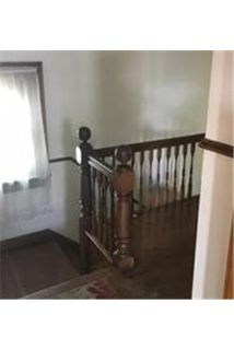 3 bedrooms Apartment - LARGE 2nd fl unit with off parking.