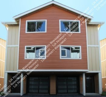 Newer Construction Townhouse with Modern Features!