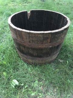 Gorgeous Rustic Weathered Vintage Antique Wood and Metal Patina Whiskey Barrel Planter Flowers EUC