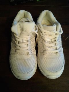 FREE Everlast shoes Size 6 1/2