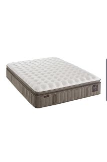 King Size- 4yr used - Stearns and Foster Estate Oak Terrace 14.5-inch Luxury Cushion Firm Euro Pillow Top Mattress, King