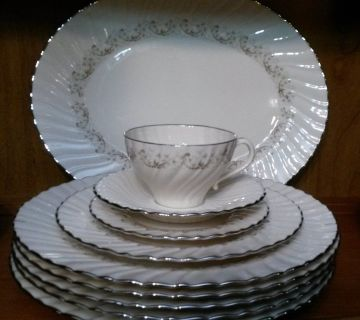 Corinthian pattern- Franciscan China - 8 settings