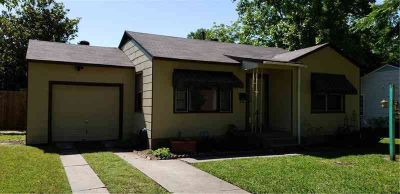4929 Dilworth Court FORT WORTH Two BR, 2-1-1 CUTE cottage style