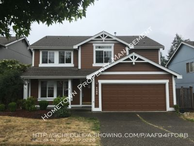 Large 3 bedroom with Bonus Room!  Available NOW!
