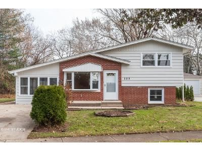 3 Bed 1.5 Bath Foreclosure Property in Wheeling, IL 60090 - 7th St