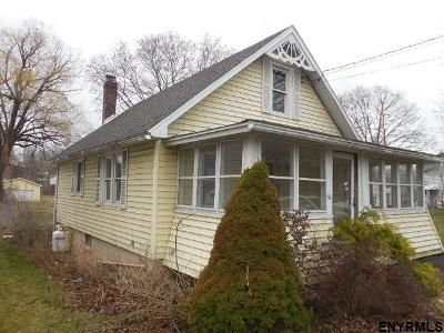 2 Bed 1 Bath Foreclosure Property in Ravena, NY 12143 - Main St