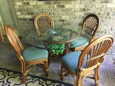 Rattan & glass table with 4 chairs