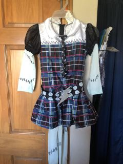 Monster High costume with tights, size med, like new, smoke free in Darboy and crossposted