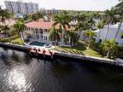 Real Estate For Sale - Six BR, 6 1/Two BA 2 story - Waterfront - Waterview -