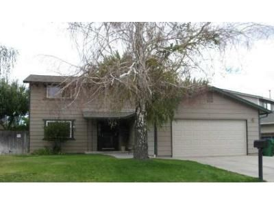 4 Bed 2.5 Bath Foreclosure Property in Sparks, NV 89431 - Gamble Dr