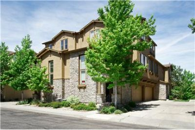 Highlands Ranch Townhome - Open, bright floor plan