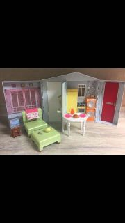 Barbie Totally Real Fold-Up House 2005, Furniture, Food, Etc. Great Condition! CP.