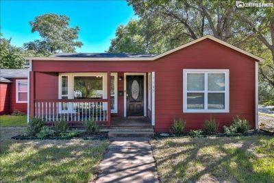$4100 3 single-family home in Dallas County
