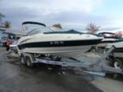 2004 Sea Ray SunDeck 200