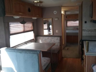 1999 Damon Intruder 325XL Motorhomes